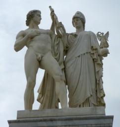 Die Göttin Athena und Krieger, Schlossbrücke Berlin (Vergrößern: unten rechts klicken).